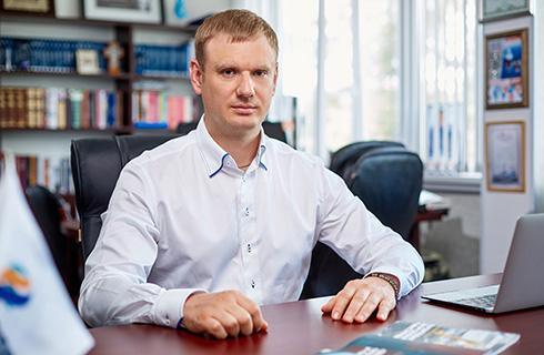 генеральный директор ПГ ВЕКПРОМ Фролов Вадим Сергеевич